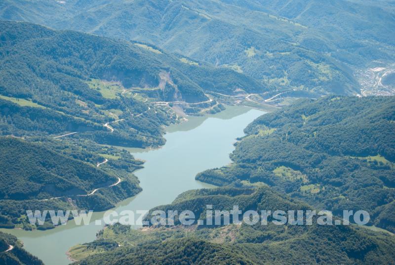 Obiective turistice - Barajul Siriu si Lacul Siriu